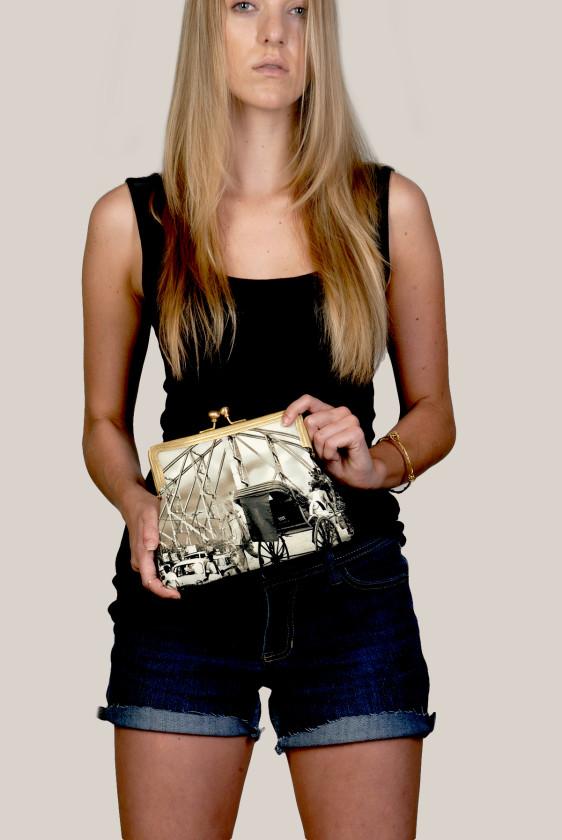 vintage-printedcanvass-clutch-kisslock-sling