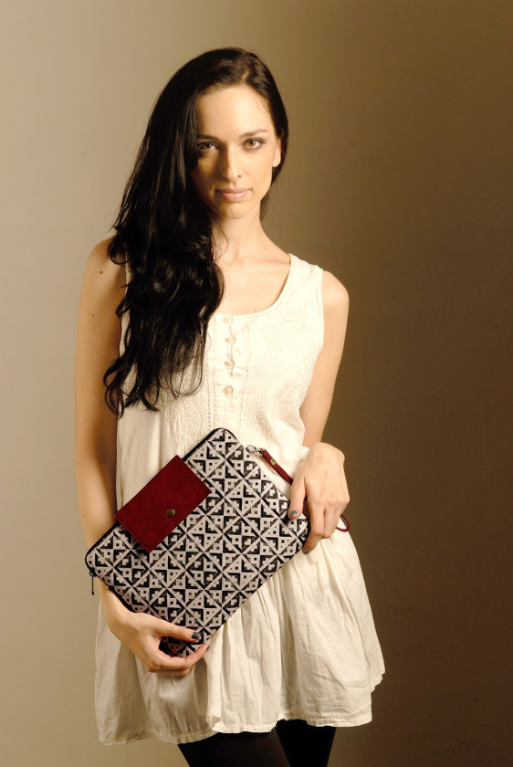 designer ipad sleeve crossbody tileprint black white printed burgandy giftforher blackfriday