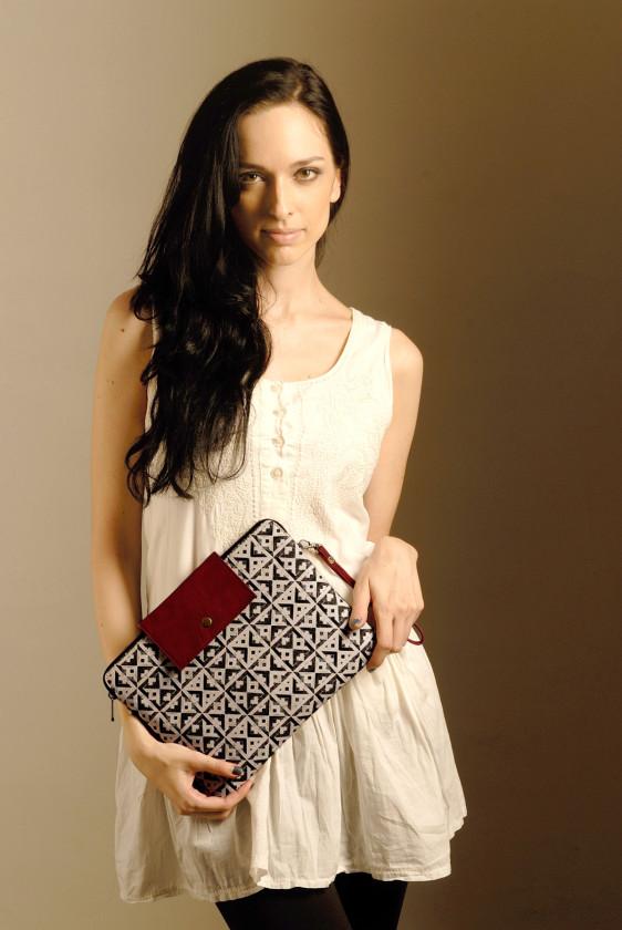designer ipad sleeve crossbody tileprint black white printed burgandy giftforher blackfriday