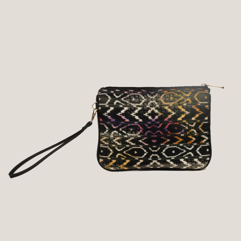 ikatprints popcolors fashionaccessories lovethisbag giftforher blackfriday