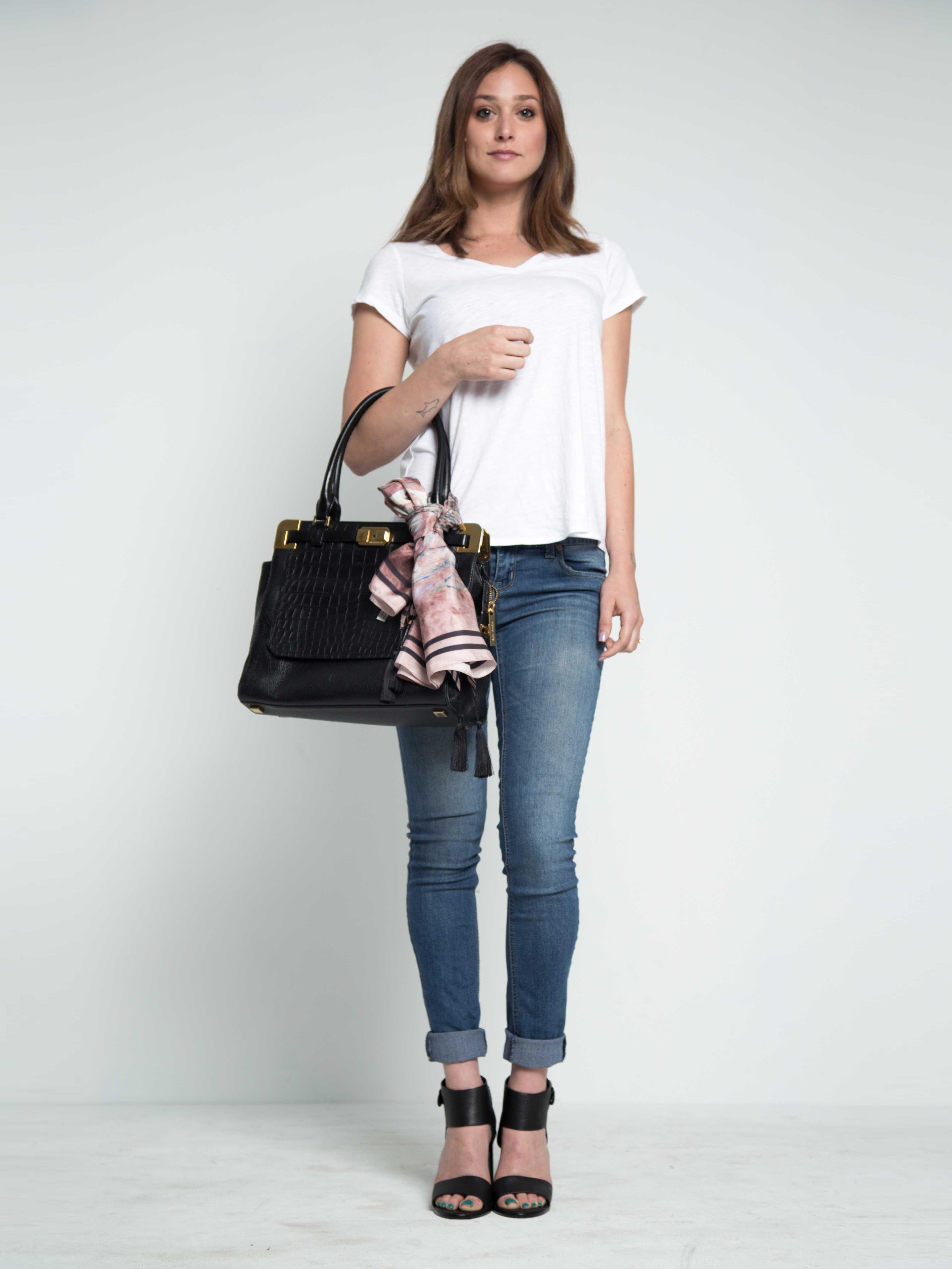 barneysnyscarf-bagtieup-resortwear-jhonywasscarf-scarfonsale-giftidea-perfectgift-maati