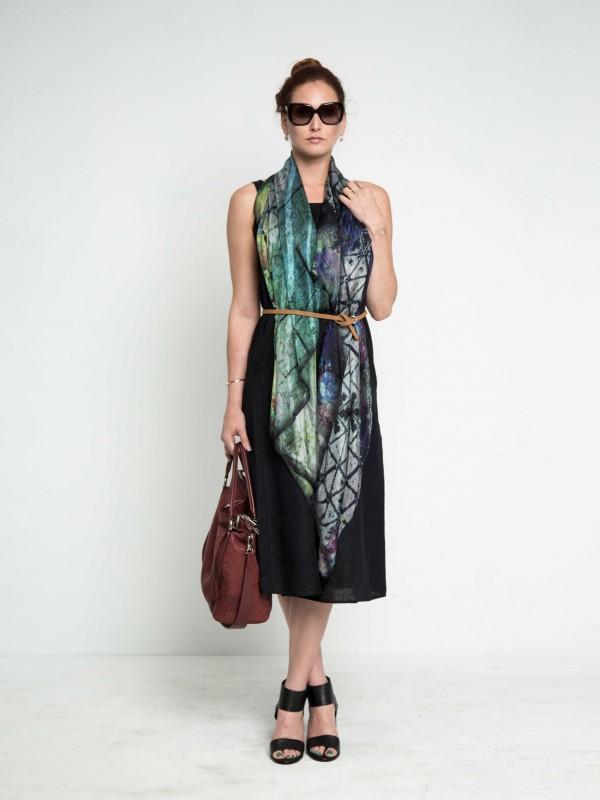 designerscarf-differentwaystowearscarf-celebritywearingscarf-trendyscarf-luxuryfashion-maati