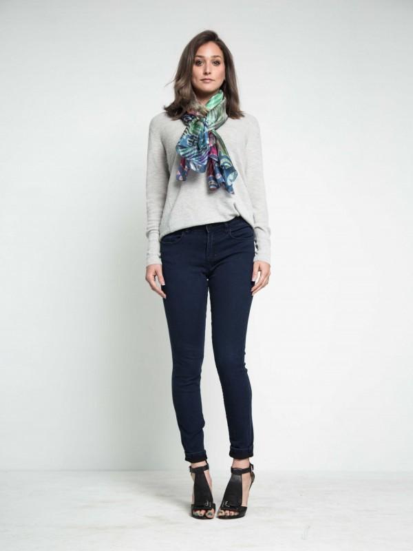 silkscarf-shiboriscarf-floralscarf-designerscarf-highfashion-giftsformom-maati